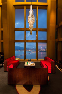 38-lounge-night-view-200x300
