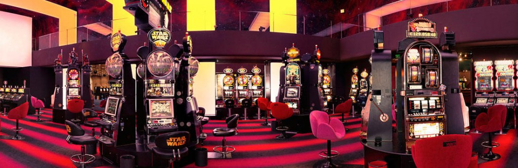 R-Casino-Cafe-Paris-3